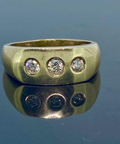 Mens Diamond Ring 9ct, 3 stone diamond Signet, ring size W, A good size heavy mans ring