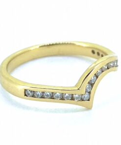 Unusual Vintage Diamond Wave Top Half Eternity Ring, Hallmarked 18ct with channel Diamond setting. Polished shank with wave point. Give this elegant vintage ring a modern twist and wear it as a midi ring.